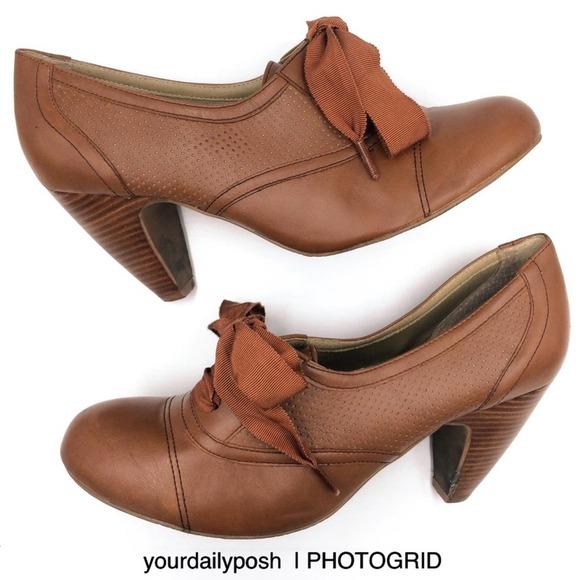 Crown Vintage brown lace-up derby Oxford bootie 10